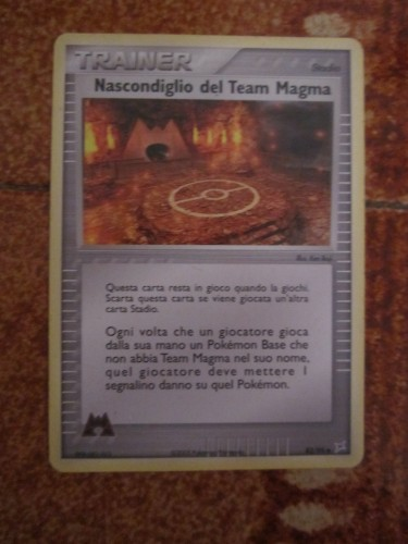 Carta Pokemon Nascondiglio del Team Magma.JPG